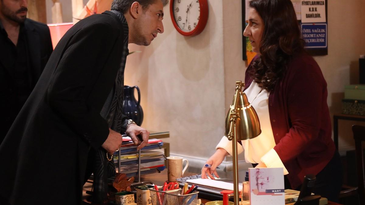 Kırmızı Oda'nın kadrosuna konuk oyuncu olarak usta oyuncu Erkan Petekkaya  katılıyor
