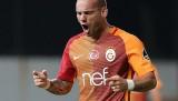 Wesley Sneijder cezalı duruma düştü
