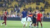 Kadıköy'de maç sonu ortalık karıştı! Volkan ile Alper...