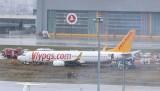 Sabiha Gökçen Havalimanı'nda yaşanan kazanın ardından uçuşlar yeniden ertelendi