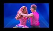 Özlem Yıldız ve James'in Dans Performansı