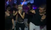 Murat, Gece Klubünde Dans Etti