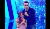 Mustafa Ceceli & Ece Zehra 'Omuzumda Başın Eksik'