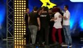 Alp Kırşan, 'abilerle' sahneyi bastı! Yarışmacıyı sahneden aldılar...