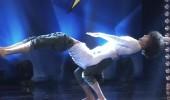 Yusuf Sakar ve Mert Sakar'ın akrobasi performansı