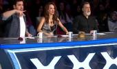 Tercüman krizi! Yarışmacının tercümanının Ali Taran'la diyaloğu herkesi kahkahaya boğdu: 'Bana bak...'