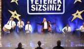 Grup Erdoğanlar'ın grup enstrüman gösterisi