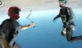 Gökyüzünde nefesleri kesen akrobatik şov!