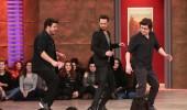 Sahnede 'backstreet boys' dansı yaptılar