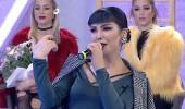 Deniz Saral'dan şarkı performansı