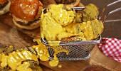 Peynir Soslu Tırtık Patates tarifi...