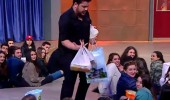 Seyircilerden 3 Adam'a hediye yağmuru