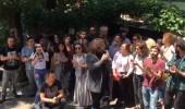 Dizi oyuncularından alkışlı protesto!