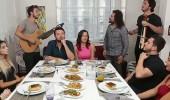 Nuray hanımdan misafirlerine sürpriz!