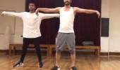 Ahmet Kural'dan dans şov!
