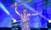Natalya Efe akrobasi gösterisi