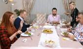 Yemeğe 'yanık' denince masada gerginlik yaşandı