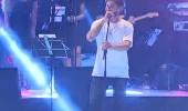 Anıl Berk Baki 'Kandırdım' şarkısıyla sahnede...