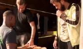 Ada oyunu ödülünü kazanan gönüllüler köfte ekmek yedi