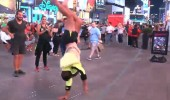 New York sokaklarında Hilmi Cem rüzgarı! Dansıyla mest etti...