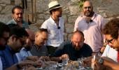 Alaçatı'nın ünlü mekan sahipleri yemeklerinin tadına baktı