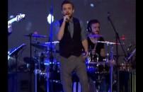 Murat Dalkılıç Söyle Söylebilirsen'i Müthiş Bir Şarkı ile Açtı