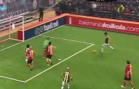 Galatasaray Veteran Takımı 5 - 4 Fenerbahçe Veteran Takımı (Gol Ceyhun Eriş)