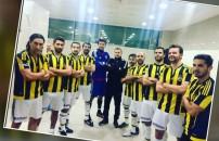 Fenerbahçe Veteran Takımı'ndan final öncesi olay poz!