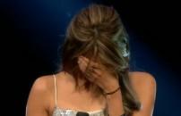 Karima hem ağladı hem ağlattı! Şarkının sonunda dayanamadı...