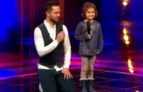 Murat Boz minik hayranıyla sahneye çıktı! Şarkının sonunda büyük sürpriz...