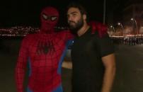 Zafer ve Örümcek Adam Napoli sokaklarında bir araya geldiler!