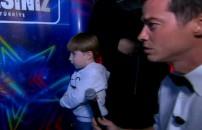 Yarışmacının oğlu çığlıklarıyla stüdyoyu inletti