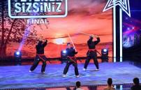 Elmas Kızlar Karate Takımı final performansı
