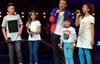 Oğuzhan'ın takımı 'Bu Nasıl Aşk' şarkısıyla sahnede!