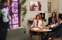 Jet Sosyete | Safiye film eleştirmeni olursa...