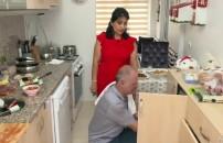 Ekrem Bey eşinin baskılarına dayanamadı: 'Mutfağımı terk eder misin?'