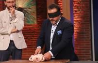 Mehmet Şef gözü kapalı şov yaptı!
