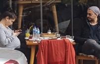 Hazal Kaya ve Ali Atay moral yemeği yedi