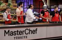 MasterChef Türkiye 30 Aralık 2019 özel bölümü ödül oyunu öncesi Mehmet Şef'ten jüriye açık tehdit