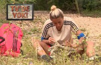 Survivor TV'de YOK | Taşlarla konuşup şarkı söylemeye başlayan Evrim, arkadaşlarını kahkahaya boğdu