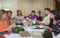 Mustafa Bey'in ana yemeğine eleştiri üstüne eleştiri