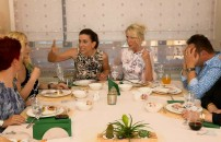 Yemekteyiz masasında gerginlik!