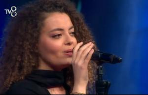 Jüri ve seyirciler Tuğçe'nin yaşını duyunca hayli şaşırdı!