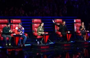 Seyirci 4 jüriden birer yarışmacıyı yarışmaya geri döndürdü!