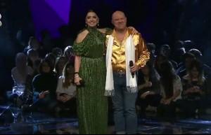 Hadise ve Cihangir Moralı, 'Twist and Shout' şarkısıyla sahnede!