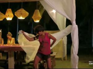 Sabriye dans şovuyla arkadaşlarını kendisine hayran bıraktı!