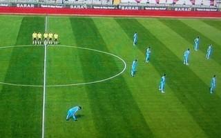 Trabzonspor'dan şok! '2 dakika düşün' kararını protesto ettiler...