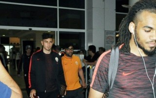 Taraftarlardan Galatasaray'a tepkili karşılama! O tezahürat...