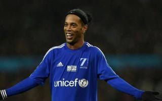 Ronaldinho imzayı attı! Herkesi şoke etti...