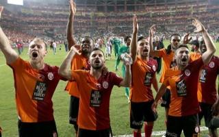 Galatasaraylı futbolculardan Fenerbahçe'ye: Çok ayıp!